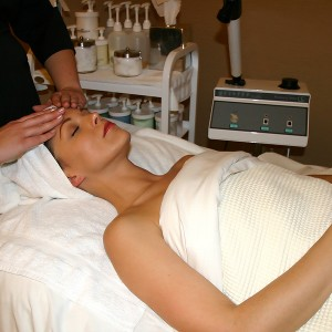 Microcurrent Face Lift with Photo LED Facial